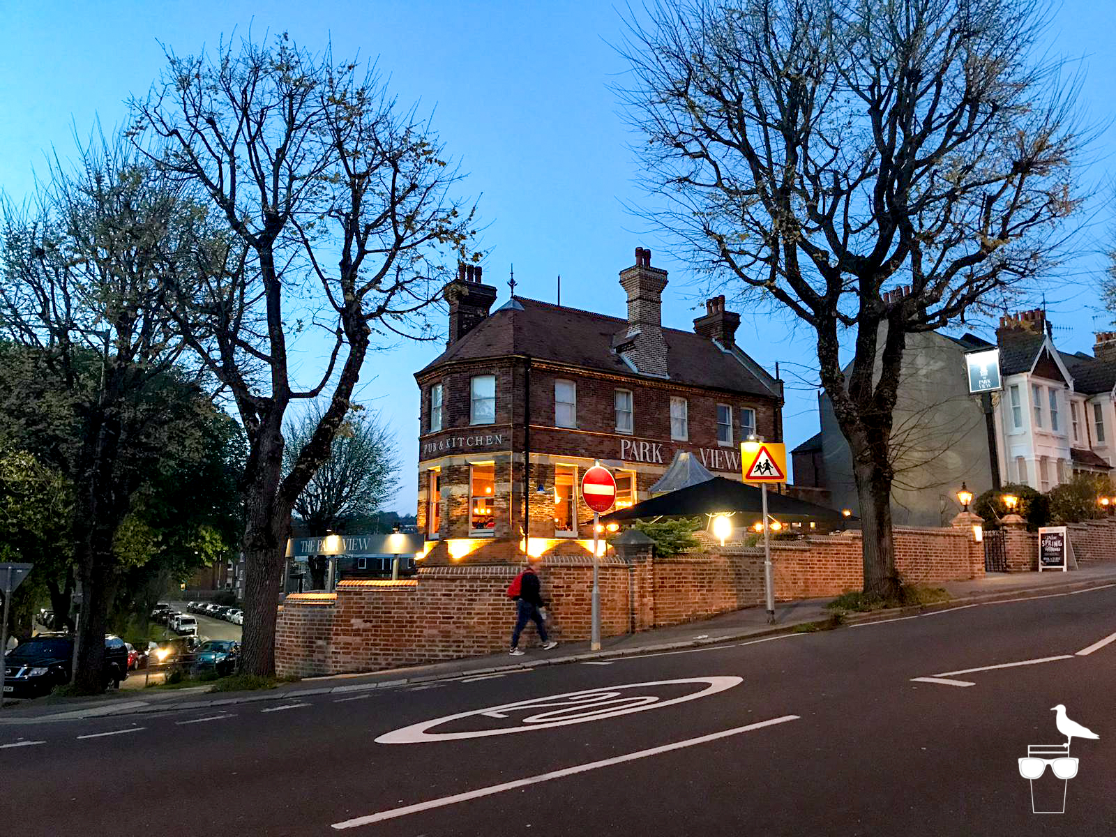 the park view pub preston park brighton outside dusk