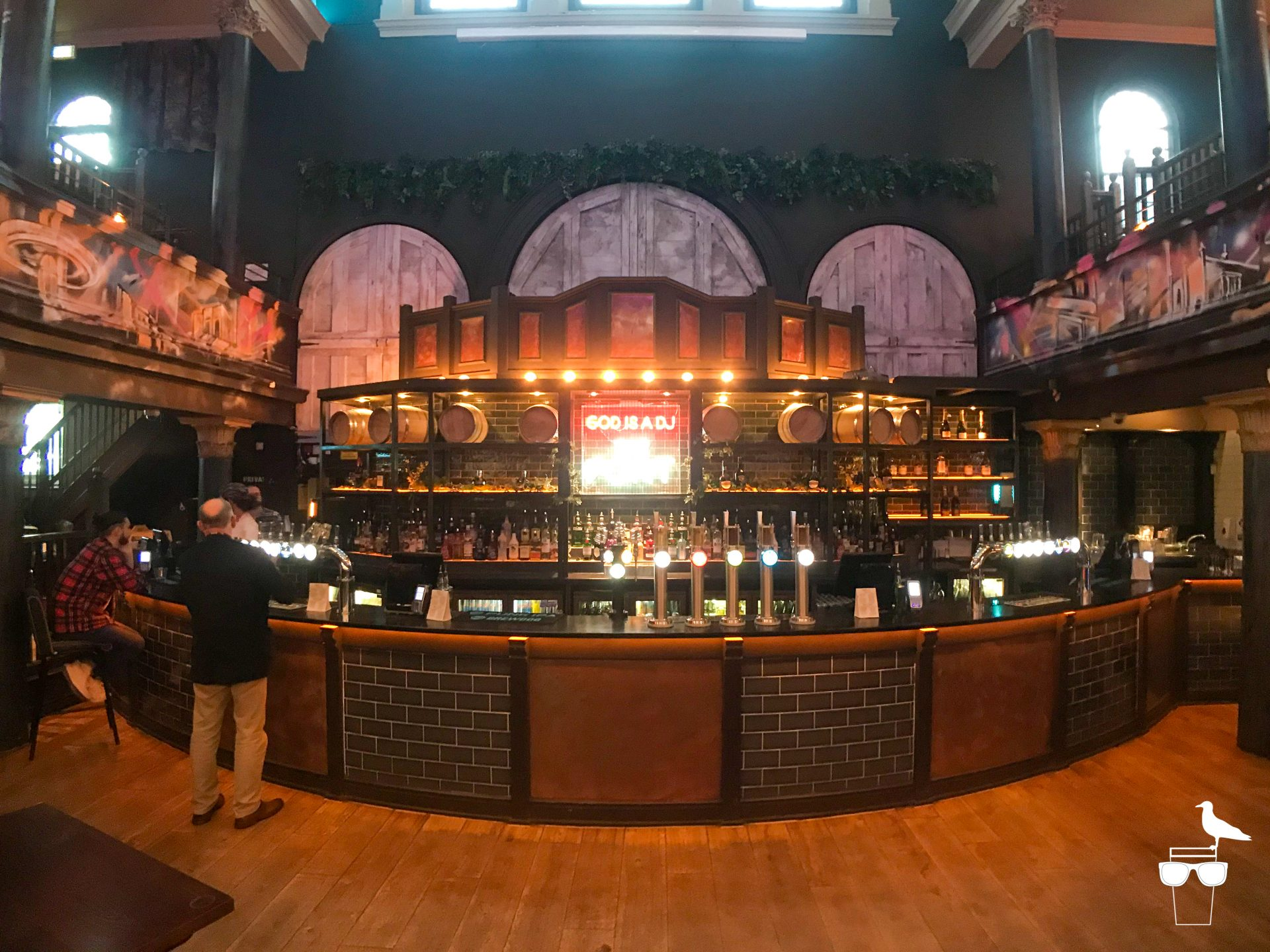 the font pub brighton wide angle of bar area