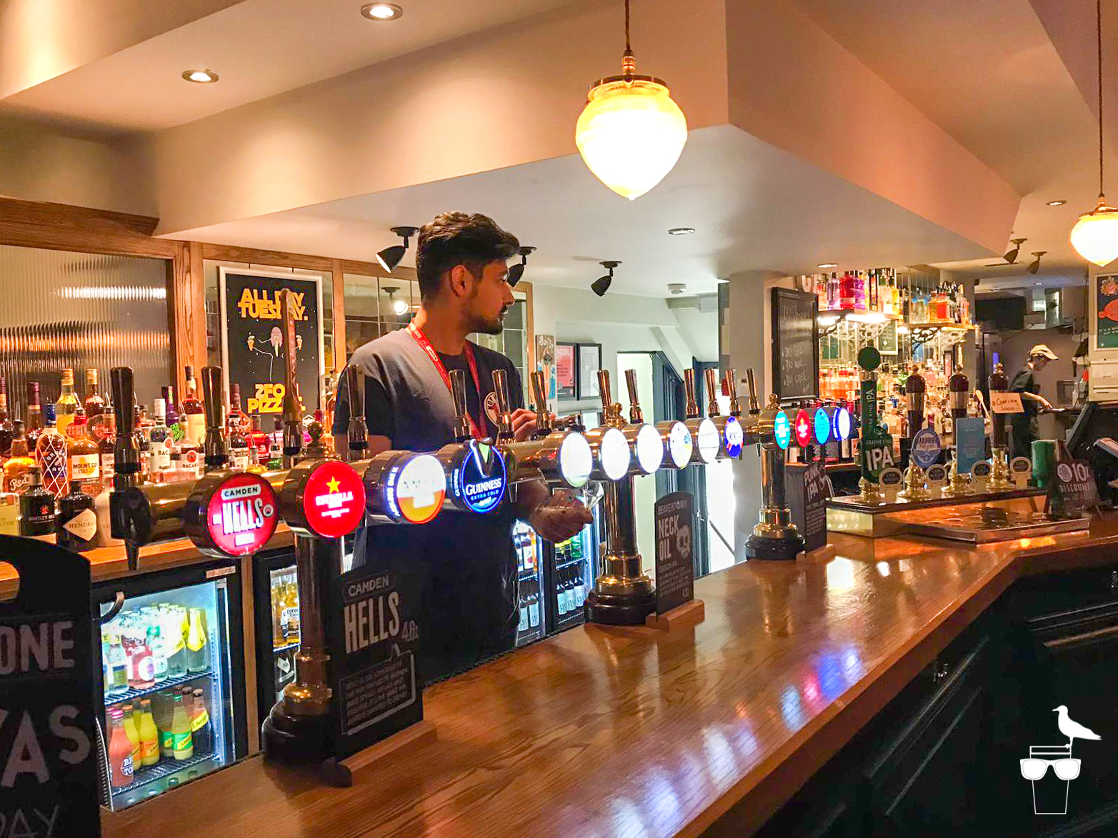 the station hove inside bar and lager tap options