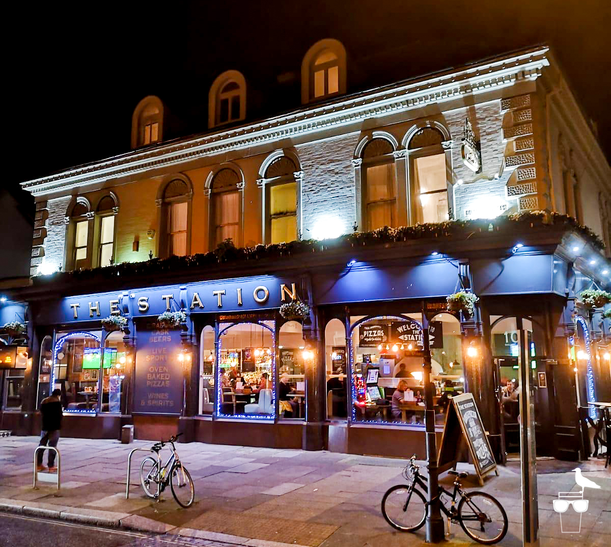 the station pub hove outside front elevation at night evening