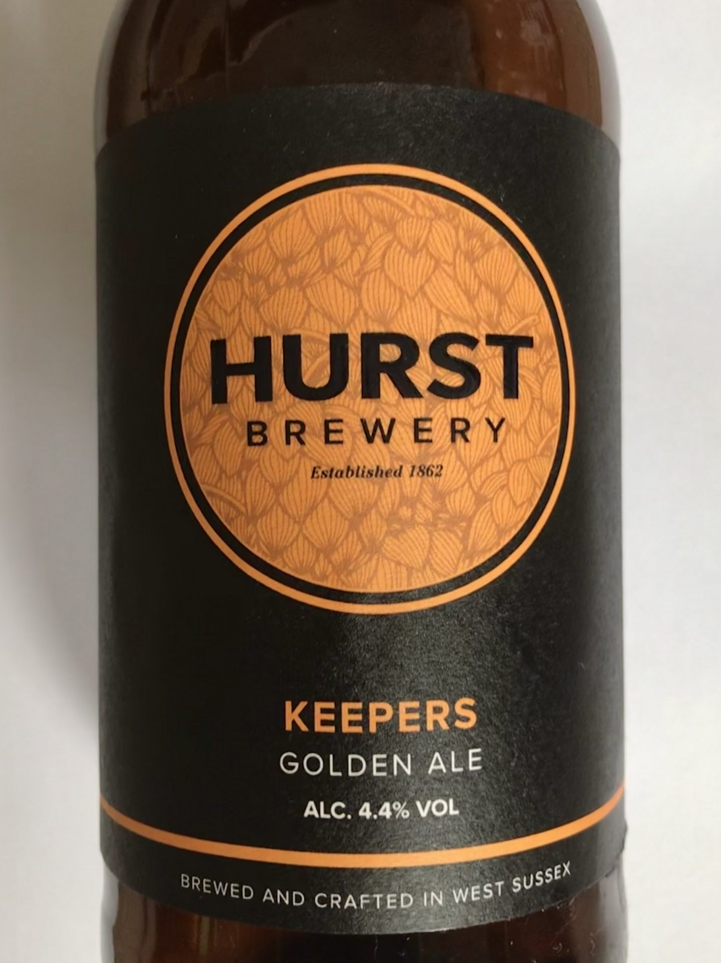 hurst brewery keepers golden ale bottle