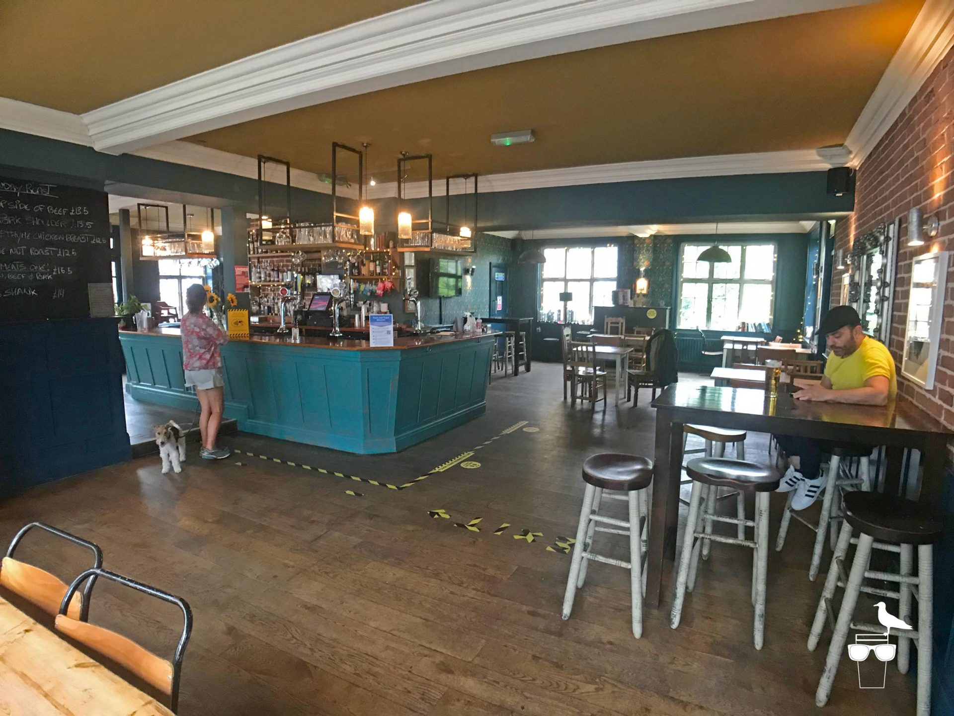 martha-gunn-pub-brighton-inside