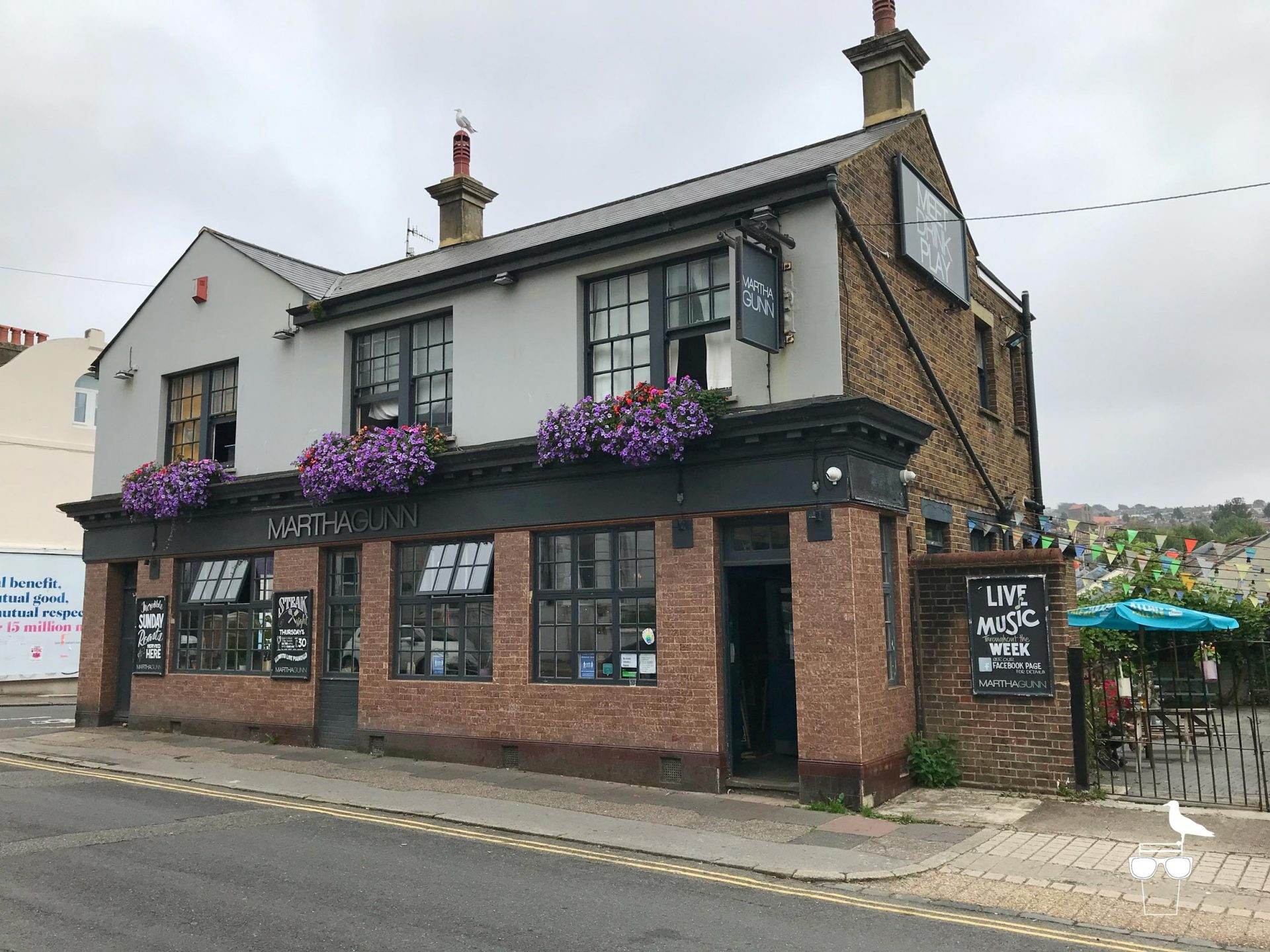 martha-gunn-pub-brighton-outside-front