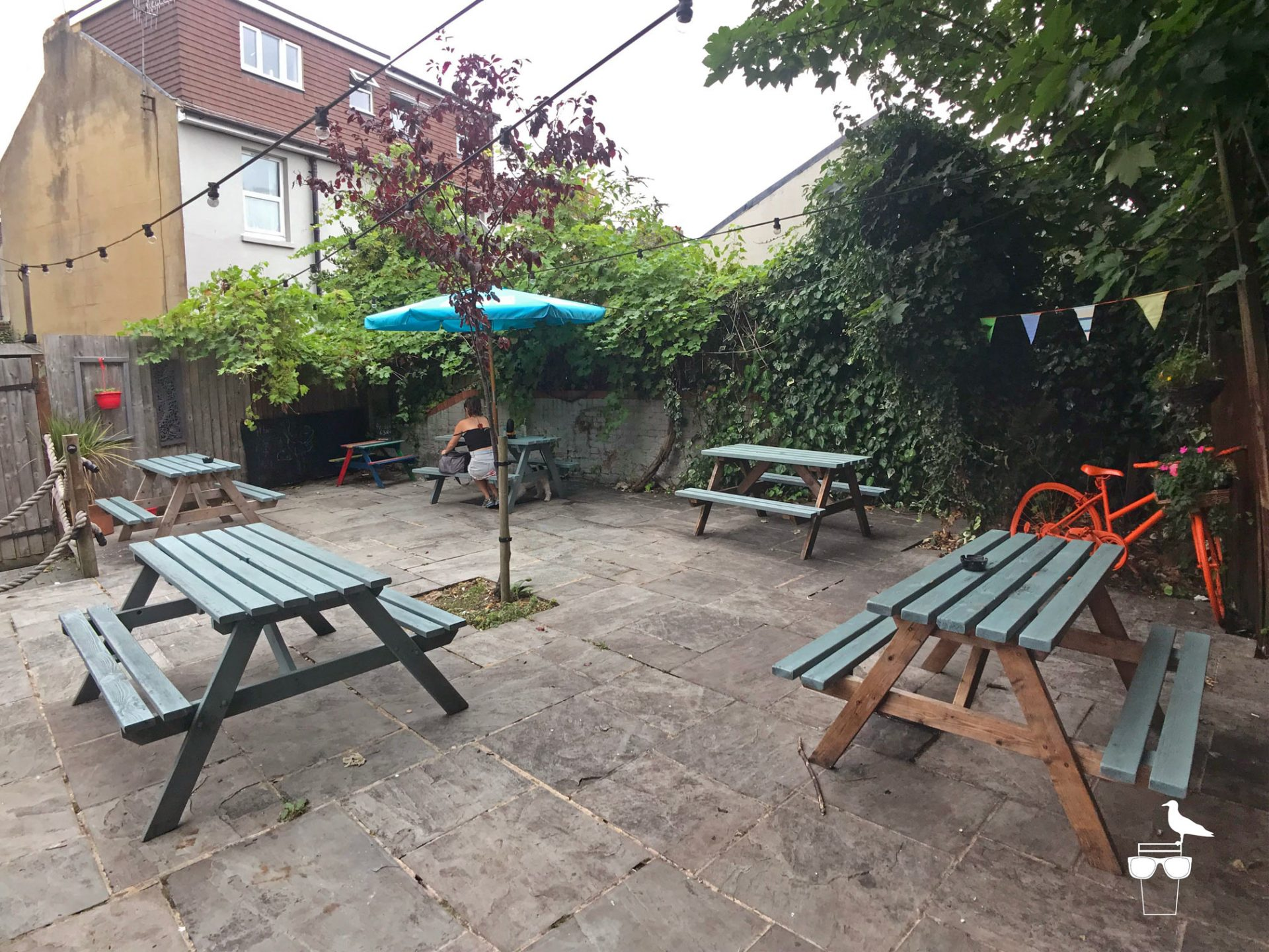 martha-gunn-pub-brighton-outside-garden-2