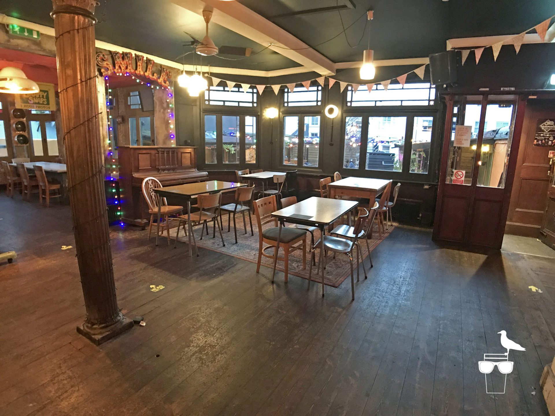 sidewinder-brighton-inside-wide-view-of-pub-2