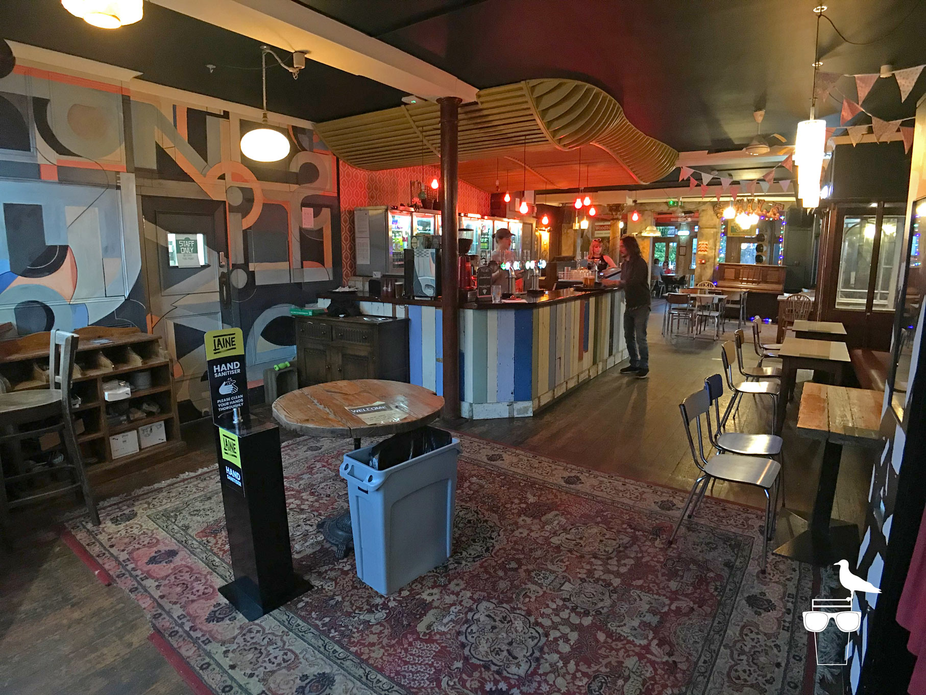 sidewinder-brighton-inside-wide-view-of-bar
