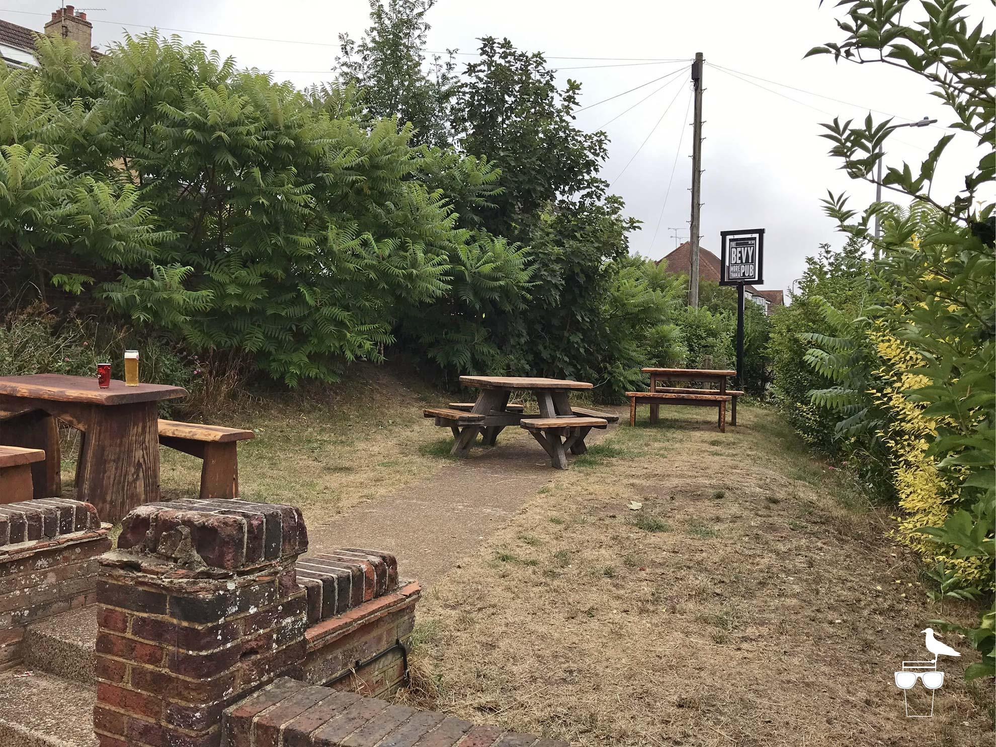the-bevy-pub-bevendean-garden-2