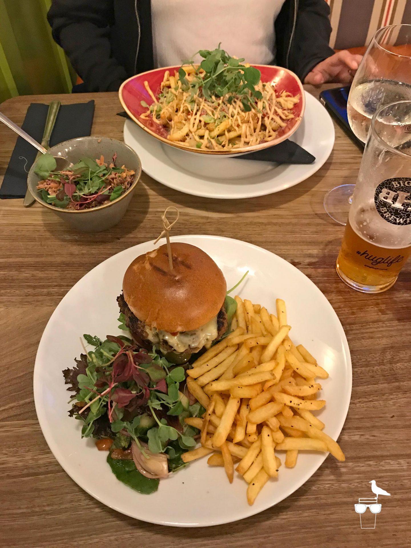 the-prestonville-arms-pub-brighton-food-burger-loaded-fries