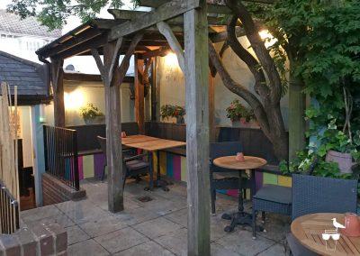the-prestonville-arms-pub-brighton-garden-covered-seating