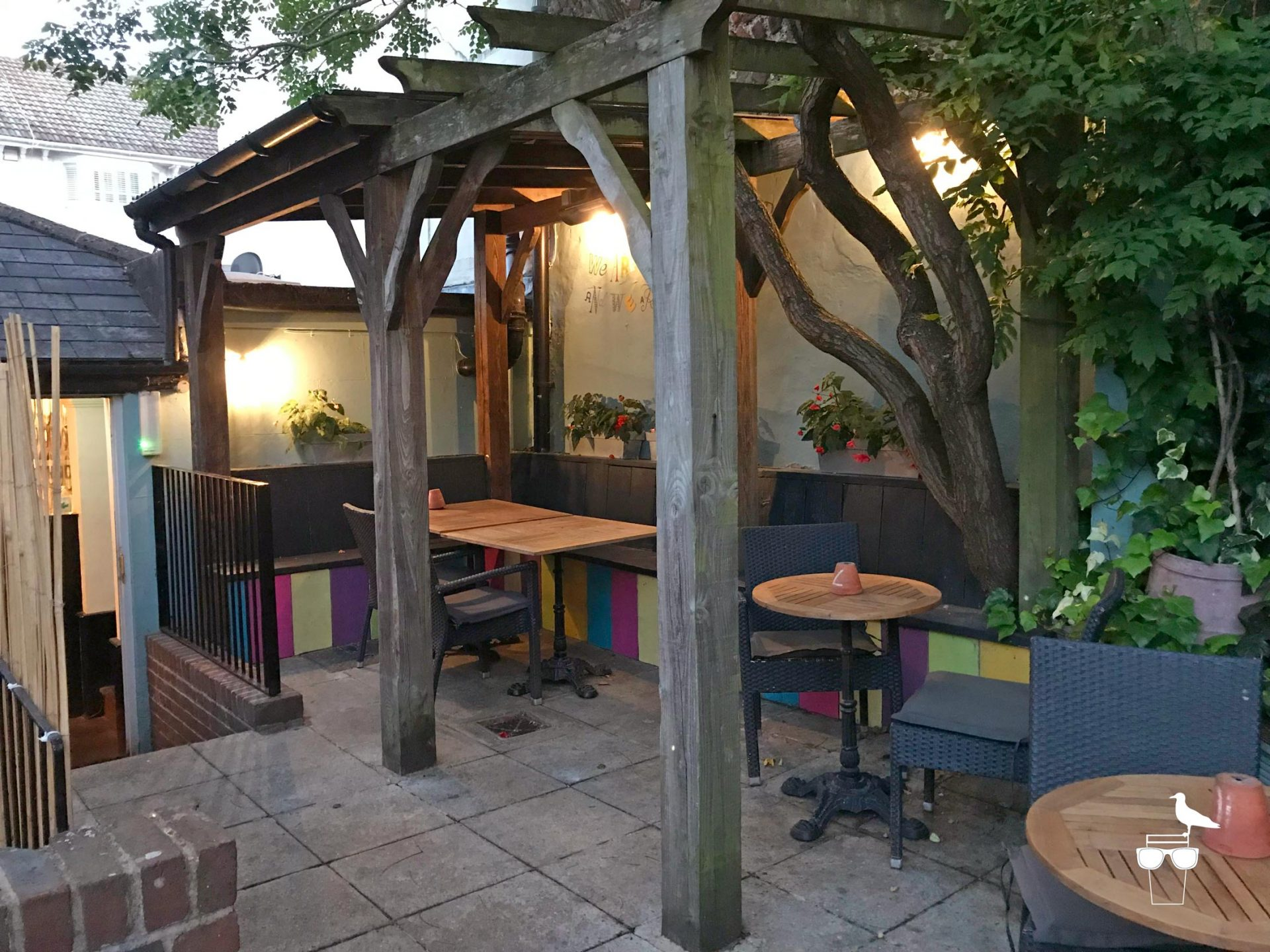 the-prestonville-arms-pub-brighton-garden-covered-seating