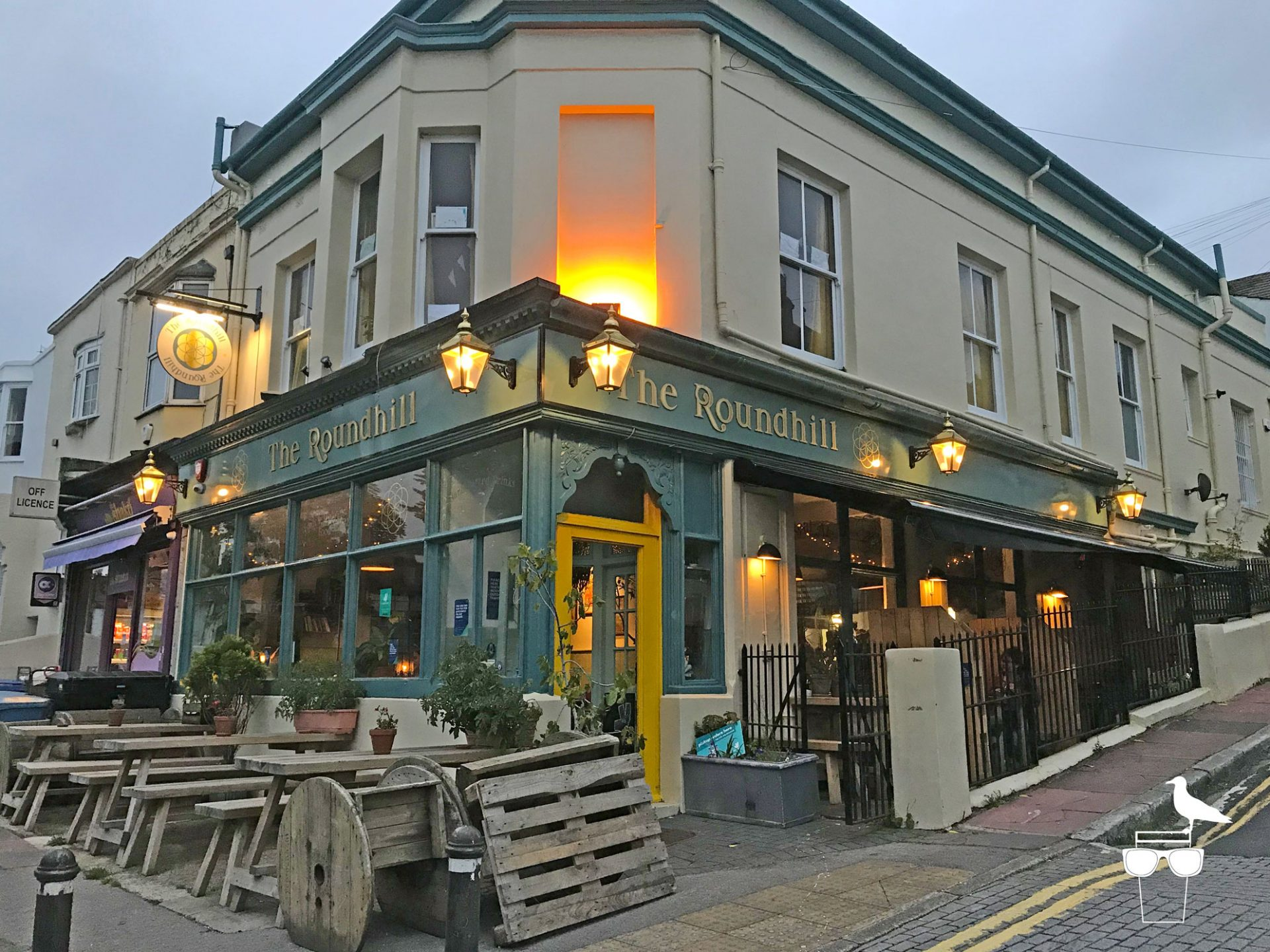 the-roundhill-pub-brighton-outside-view
