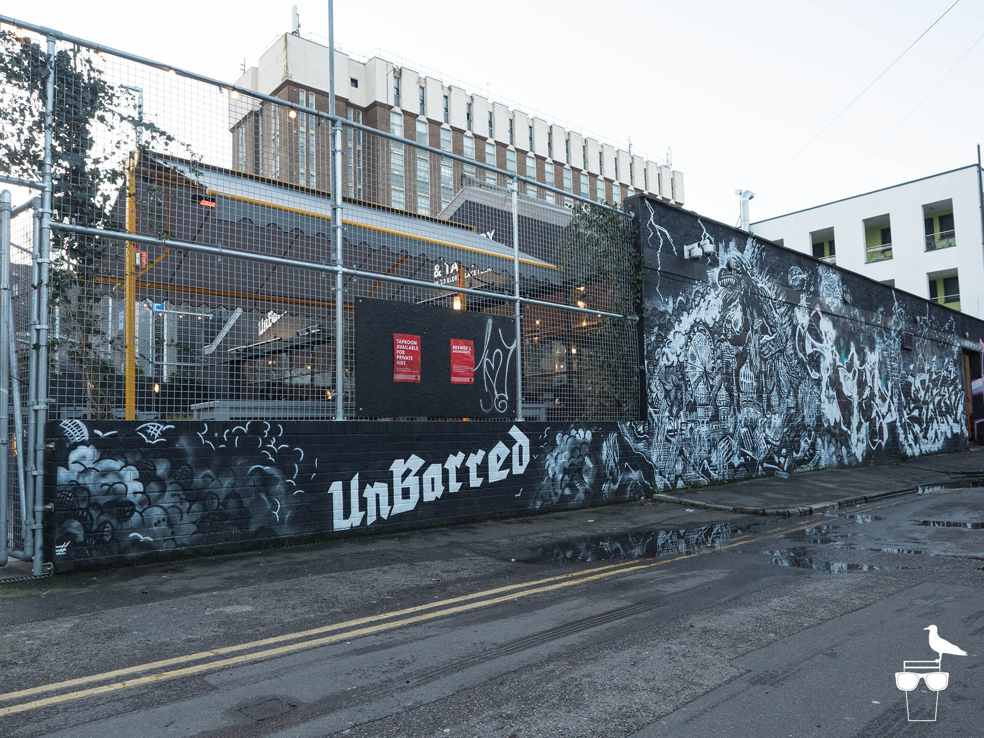 unbarred brewery and taproom brighton outside graffiti mural